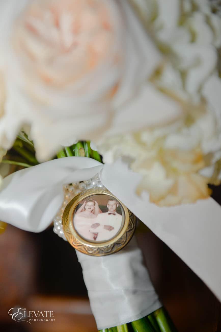Cloud 9_bouquet locket_perfect petal