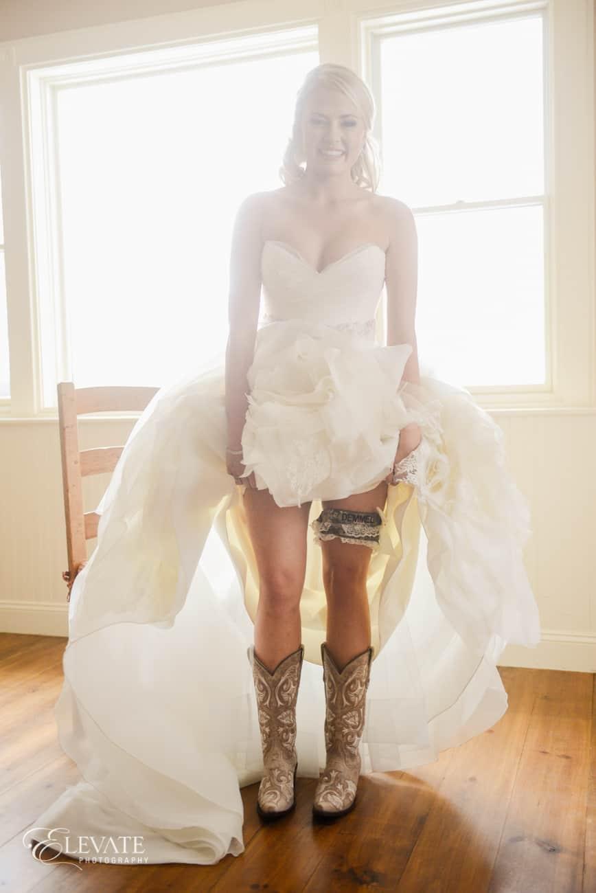 Cloud 9_ranch wedding_Little White Dress_Rivini