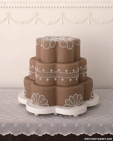 Cake Decorating Chocolate Piping : Quilted and Piped Wedding Cakes - Cloud 9
