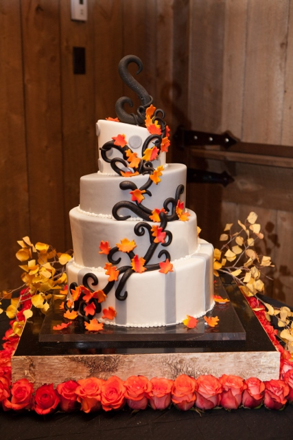 Gateaux_fall wedding cake_cloud 9 (427x640)