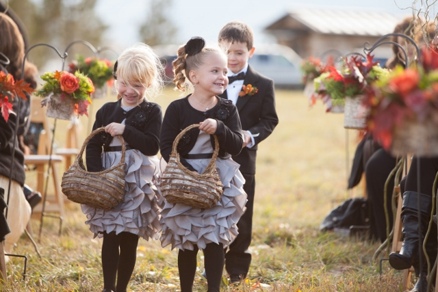 flower girls_ranch wedding_susan pacek (640x427)