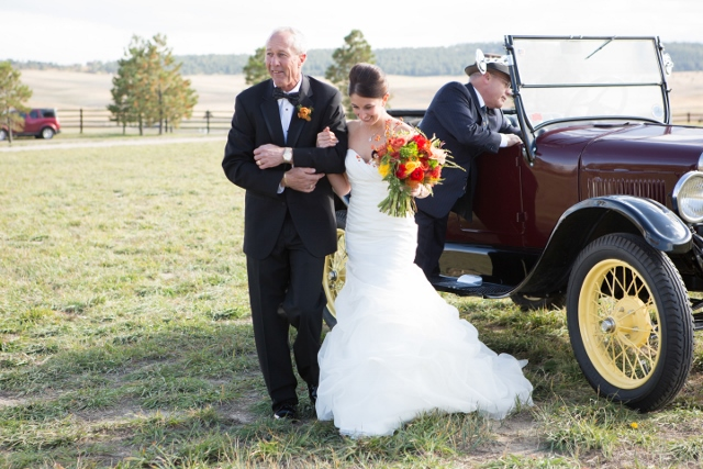 vinage wedding car_ranch wedding (640x427)