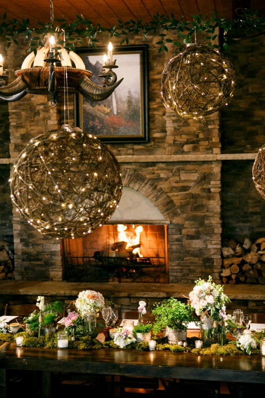 ranch reception with twine balls and centerpieces by perfect petal