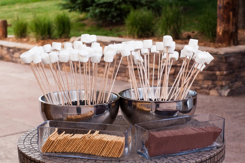 smores bar_cloud 9_catering by design (800x533)