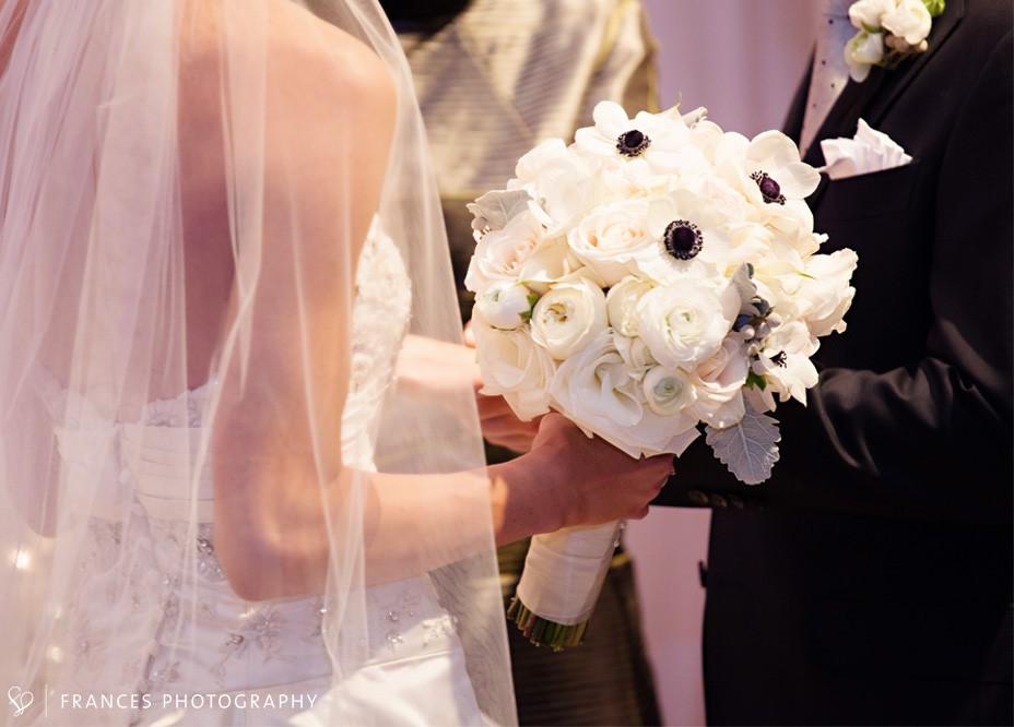white bridal bouquet_denver florist_swank stems