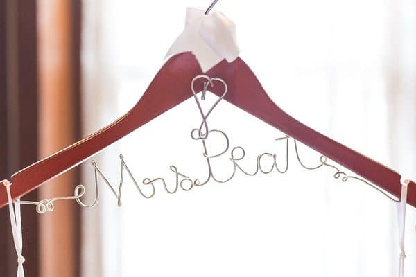 personalized_dress-hanger_cloud-9_brown-palace