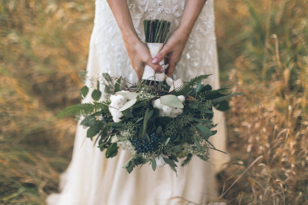 bouquet_cotton_rustic_cloud-9_spruce-mountain-ranch