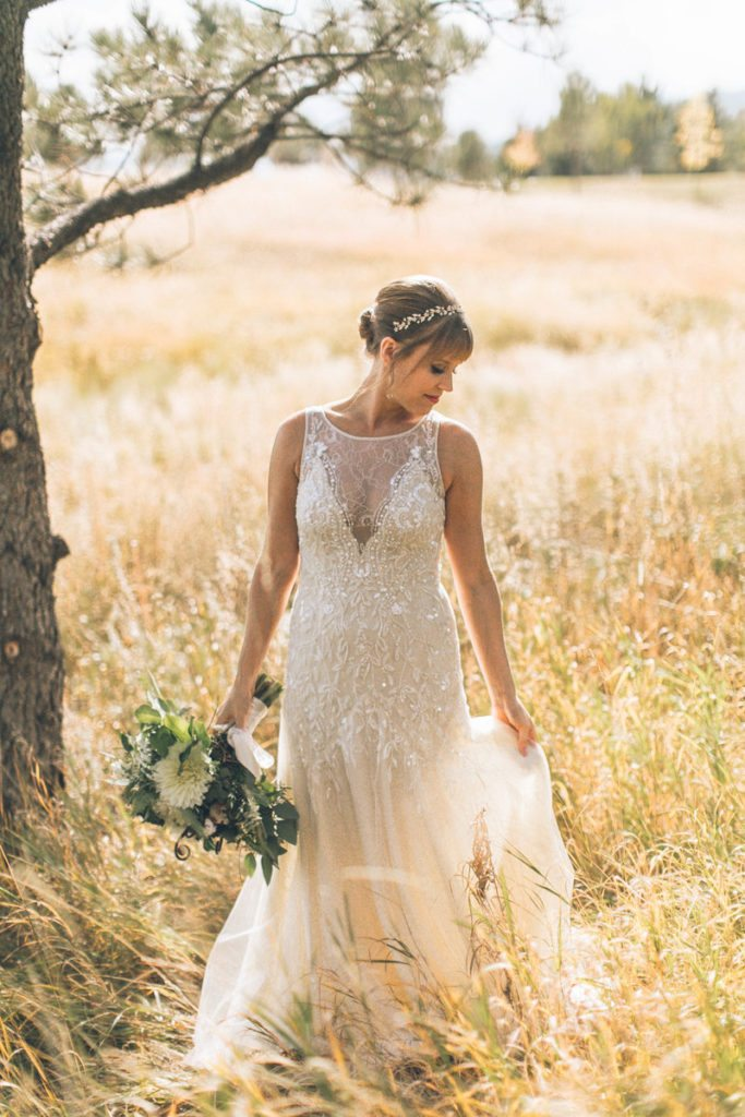 bouquet_wedding-dress_organic_cloud-9_spruce-mountain-ranch