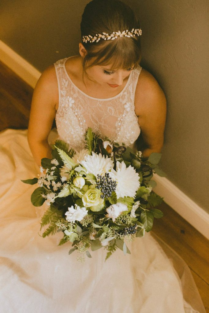 bridal-bouquet_green_organic_cloud-9_spruce-mountain-ranch