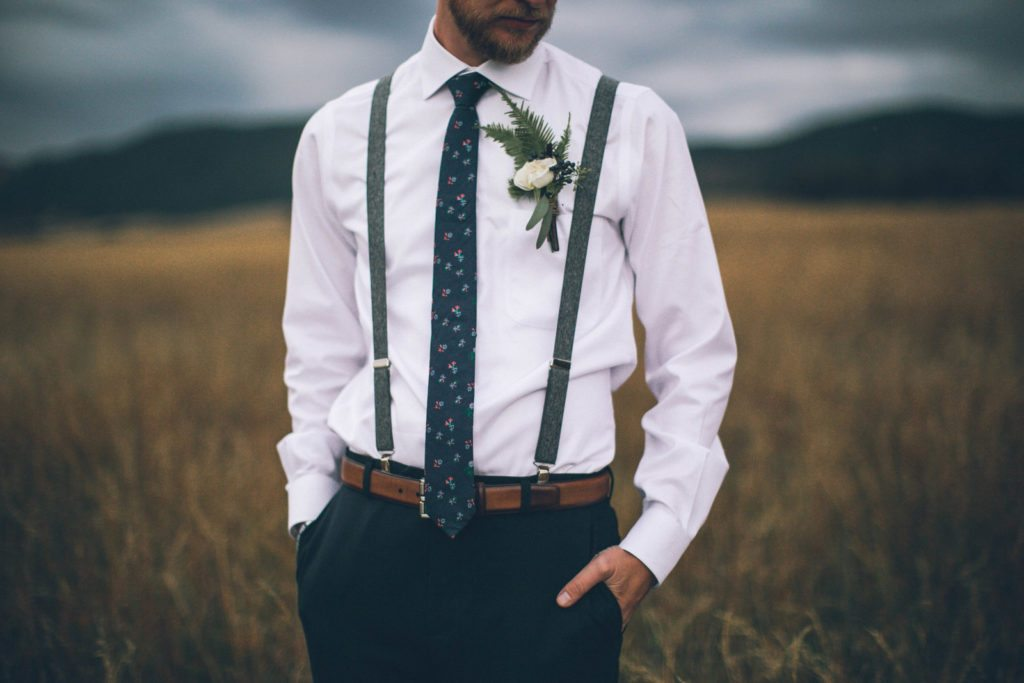groom_navy_organic_cloud-9_spruce-mountain-ranch