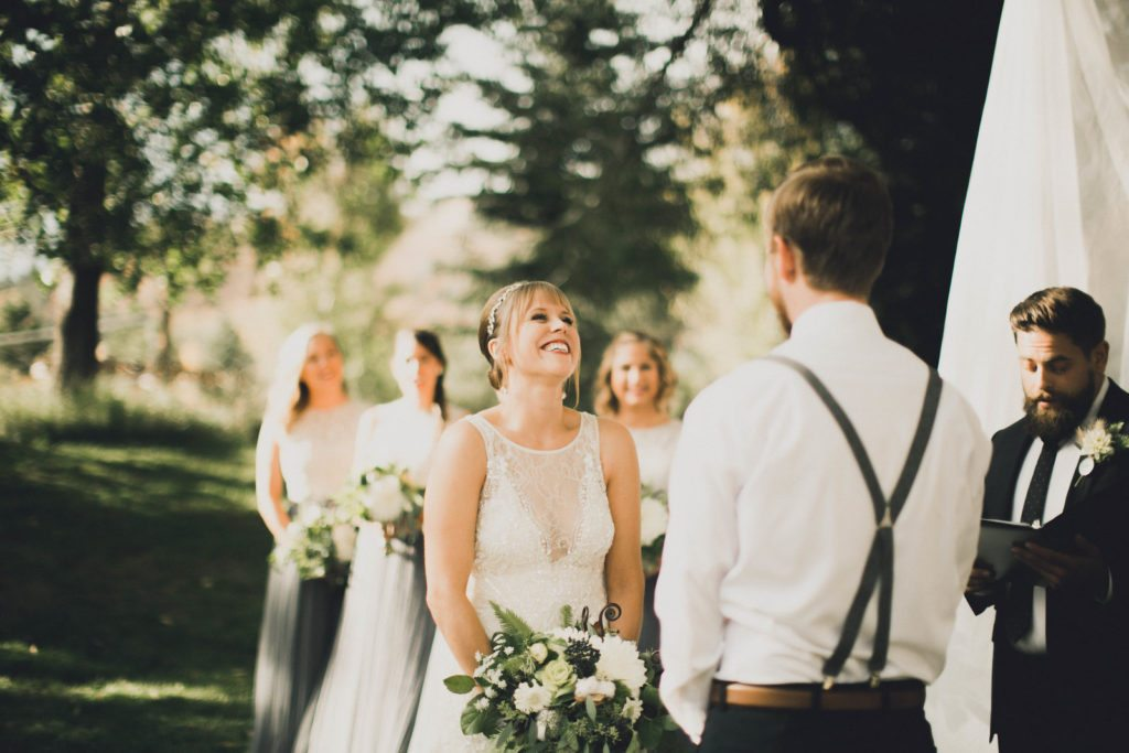 wedding-ceremony_joy_cloud-9_spruce-mountain-ranch