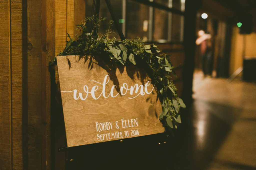 welcome-sign_rustic_cloud-9_spruce-mountain-ranch